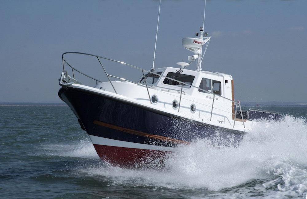 All Weather Boat Sheds : Seaward e motor cruiser boats