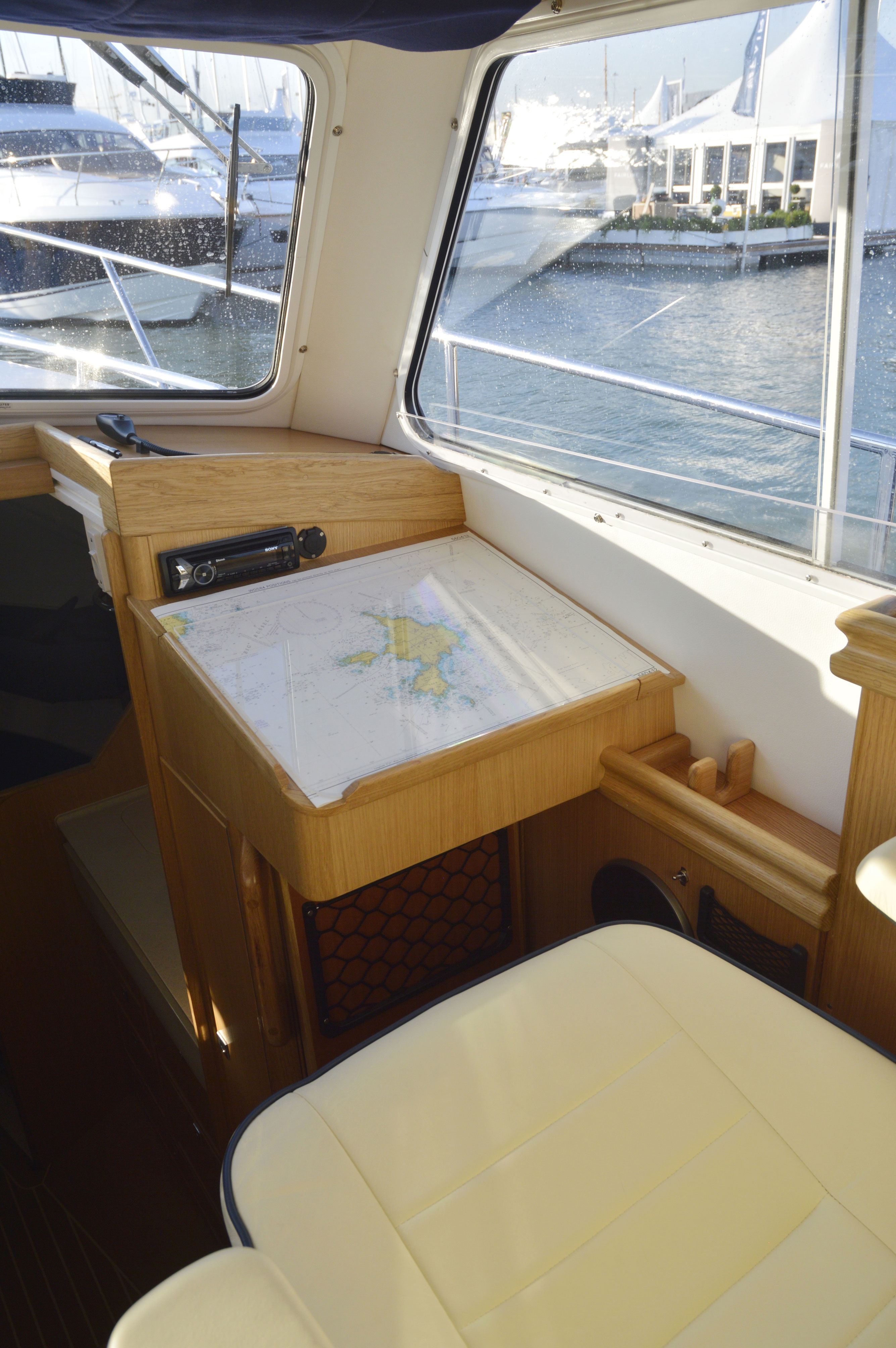 cabin cruiser dsc boats cabins vehicle service feadship devea classic tourboat boat
